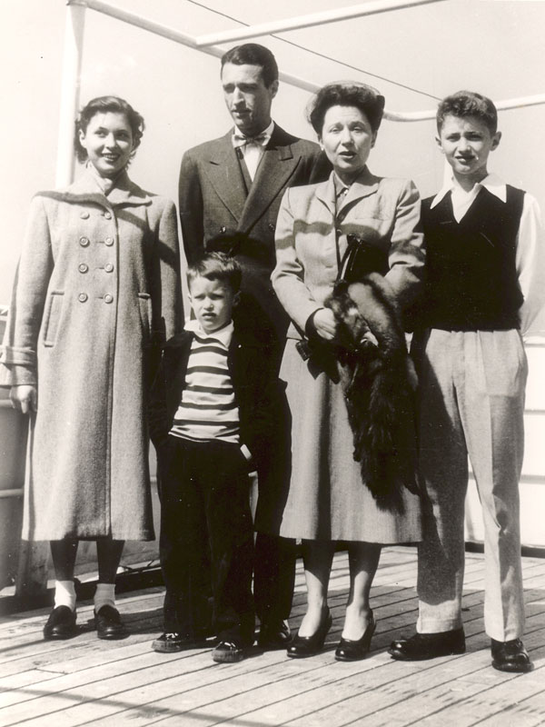 Service Family On Ship 1950