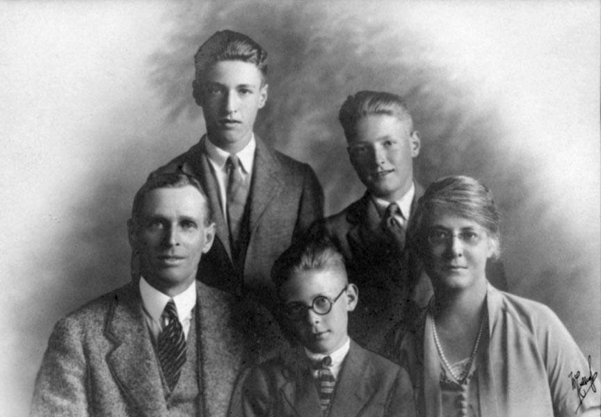 Service Family Portrait 1922